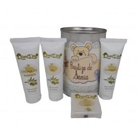 Lata cosmético con productos de Aceite de Oliva, Gel, champú, Crema de manos y pastilla de jabón de Aloe Vera