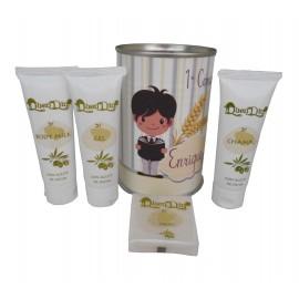ata cosmético con productos de Aceite de Oliva, Body Milk, champú, Gel y pastilla de jabón de Aloe Vera