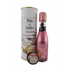 Lata con vino espumoso rosado con tarrina de paté de bacalao con ajo