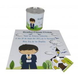 Recordatorio de Comunión niño rezando con Iglesia en puzzle con lata